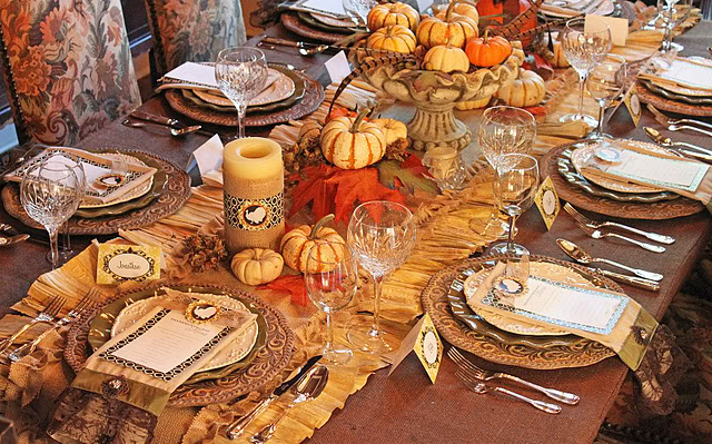 Set the perfectThanksgiving dinner table