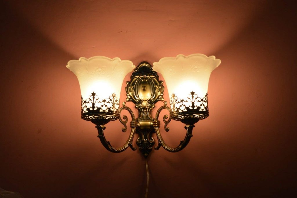 guide to wall sconces
